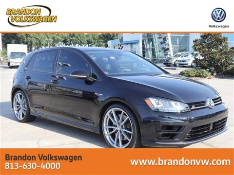 Pre-Owned 2017 Volkswagen Golf R DCC & Navigation 4Motion